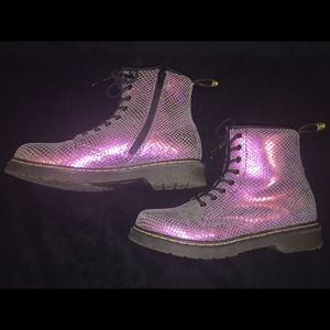 Dr. Martens 8-Eye Scaled Metallic Pink Boots